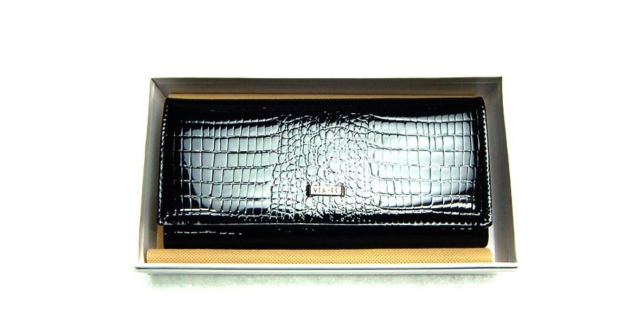 VIA55 női pénztárca V72037CBB fekete patentos.  VIA55penztarca V72037B CB 001. VIA55penztarca V72037B CB 002.  VIA55penztarca V72037B CB 003 629923ef58
