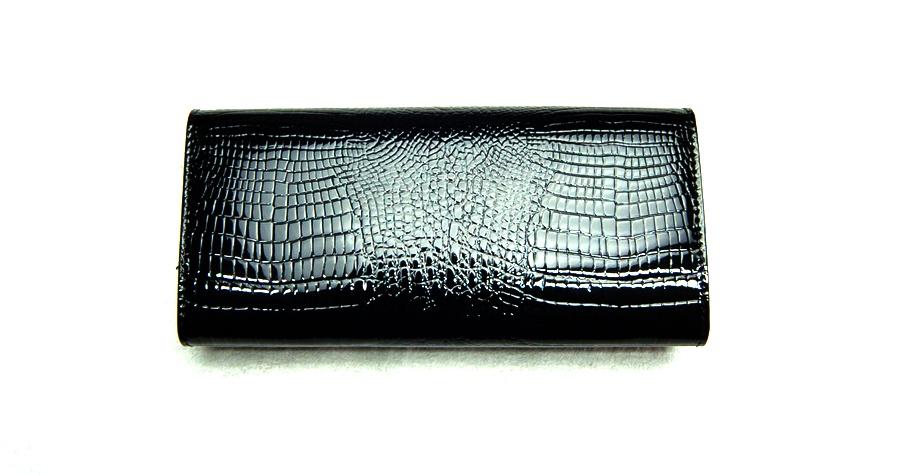 Női pénztárca  VIA55 női pénztárca V72037CBB fekete patentos c30d48a0b6